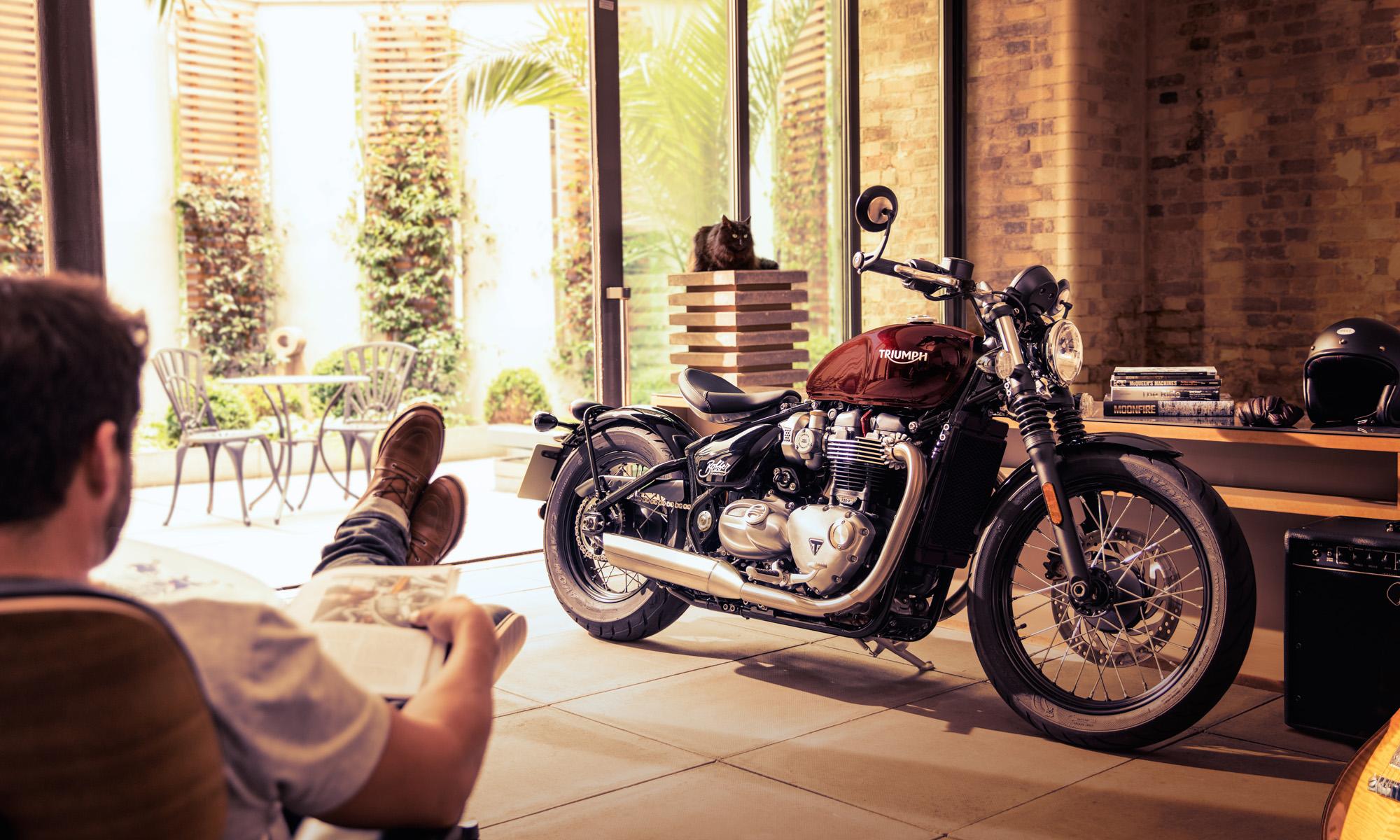 TRIUMPH MOTORCYCLES -BONNEVILLE / PRESENT CAMPAIGN-